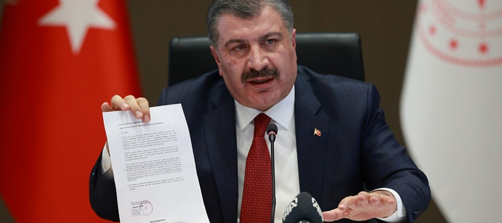 Bakan Fahrettin Koca'dan CHP'ye sert tepki