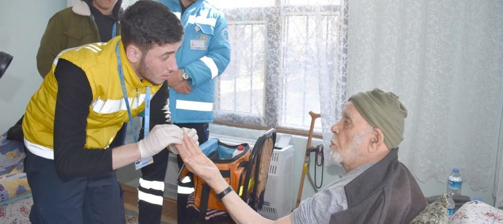 Yaşlılara evde kontrol